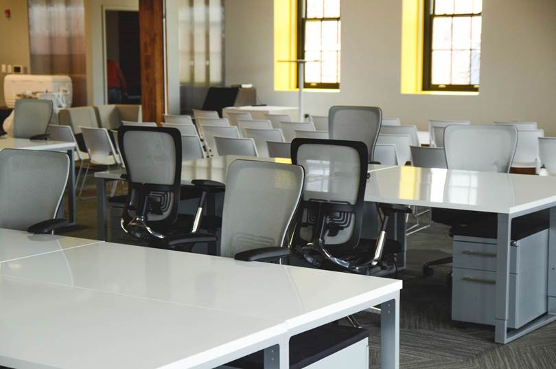 8 reasons why you should re-think and refurbish your office.
